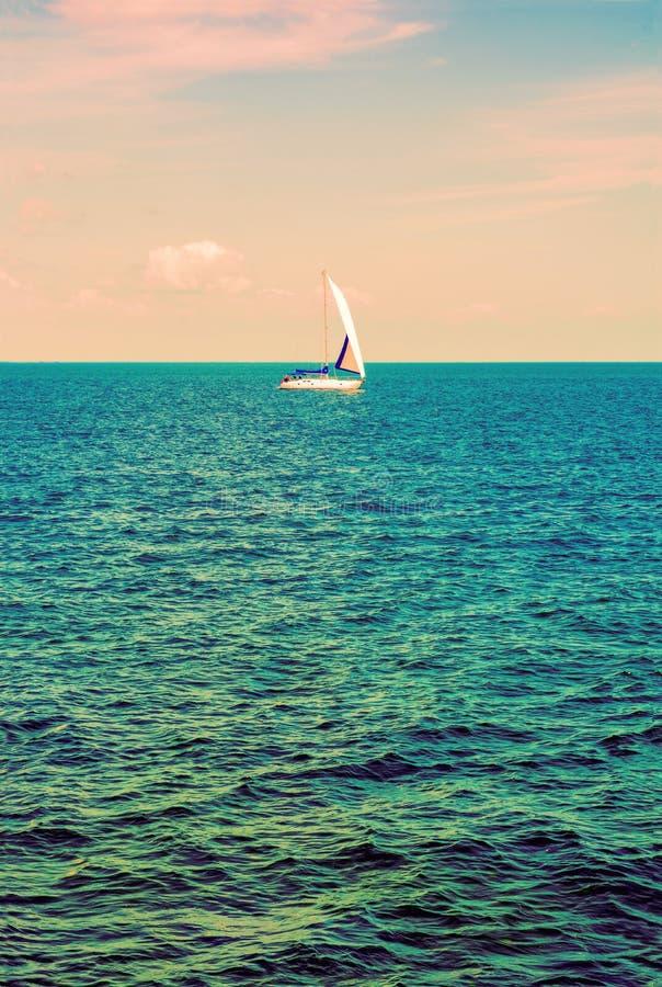 sailing yachting tourism Estilo de vida luxuoso Iate do navio com w imagem de stock royalty free