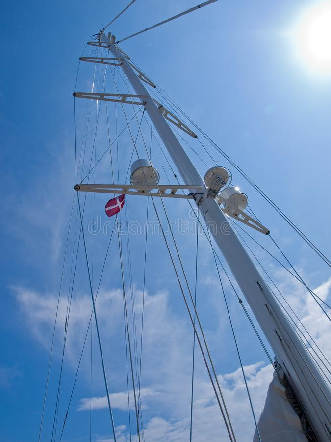 Sails and mast of a modern sail boat