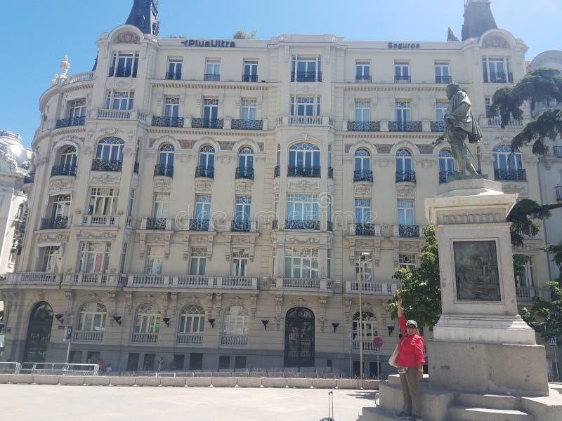 Saindo em Madrid, Espanha, com o mundialmente famoso autor, H L Menos de 2019 fotografia de stock