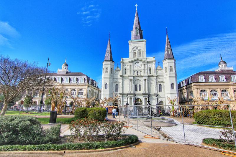 Saint bonito Louis Cathedral no bairro francês, Nova Orleães Louisiana fotografia de stock royalty free