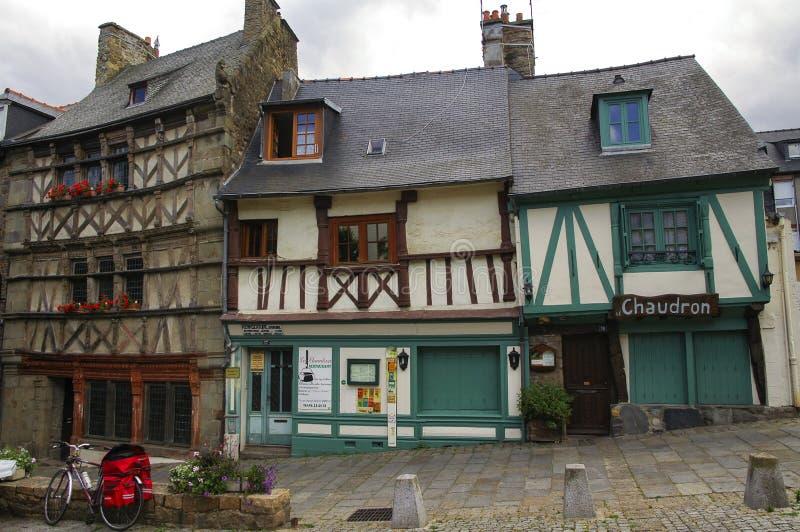 Saint Brieuc (Bretaña): casas de entramado de madera foto de archivo libre de regalías