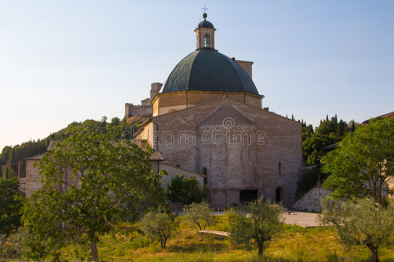 Saint Clara Cathedral, Assisi, Ombrie, Italie photo stock
