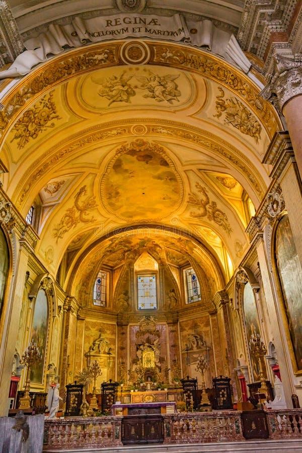 Saint dourado Mary Angels da basílica do altar e mártir Roma Itália fotos de stock