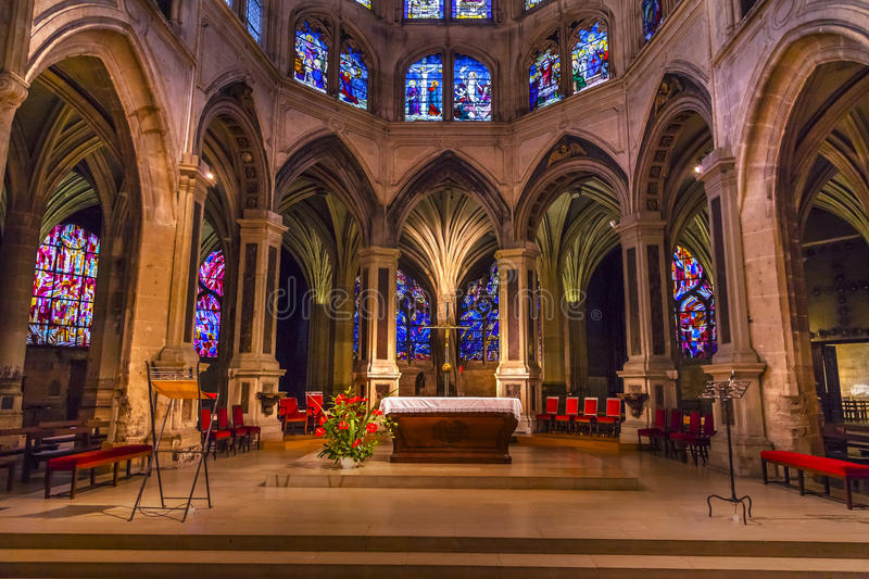 Saint interior Severin Church Paris France do vitral do altar fotografia de stock royalty free