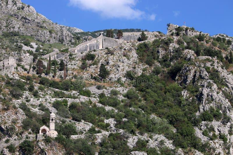Saint John fästning upptill av berget Kotor fotografering för bildbyråer