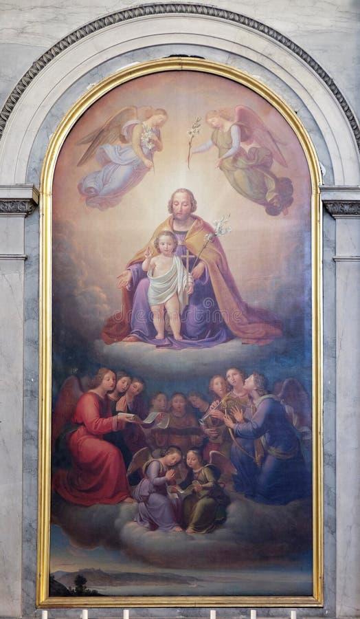 Saint Joseph por Josef Schonmann, retábulo na igreja Sant 'Antonio Nuovo em Trieste fotografia de stock