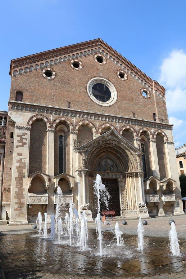 Saint Lawrence Church dans la ville historique de Vicence en Italie image libre de droits