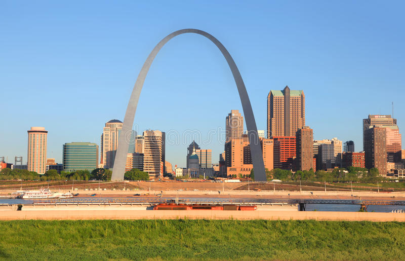 Saint Louis arch. Saint Louis, MO, USA - April 28, 2016: Gate way arch is tallest arch in the world in Saint Louis, Missouri royalty free stock photo
