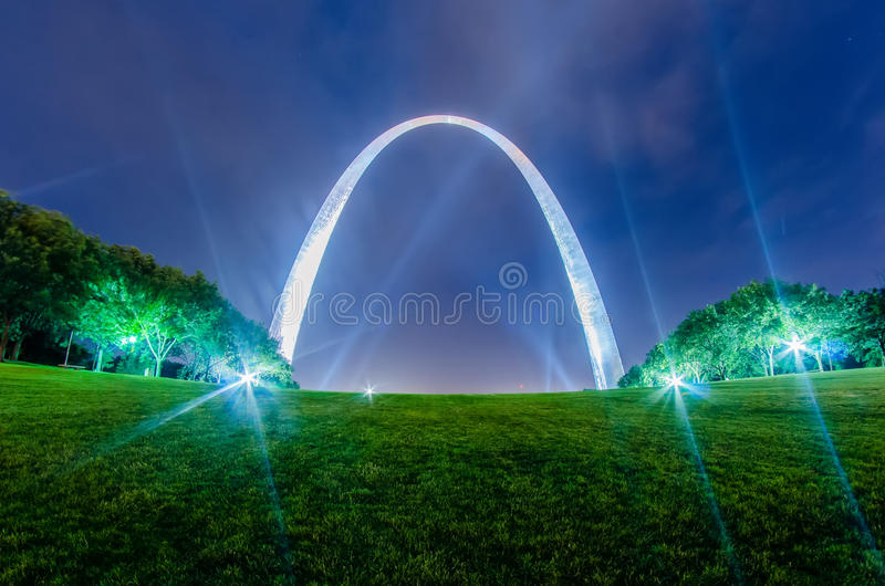 Saint louis gateway arch and downtown skyline royalty free stock photography