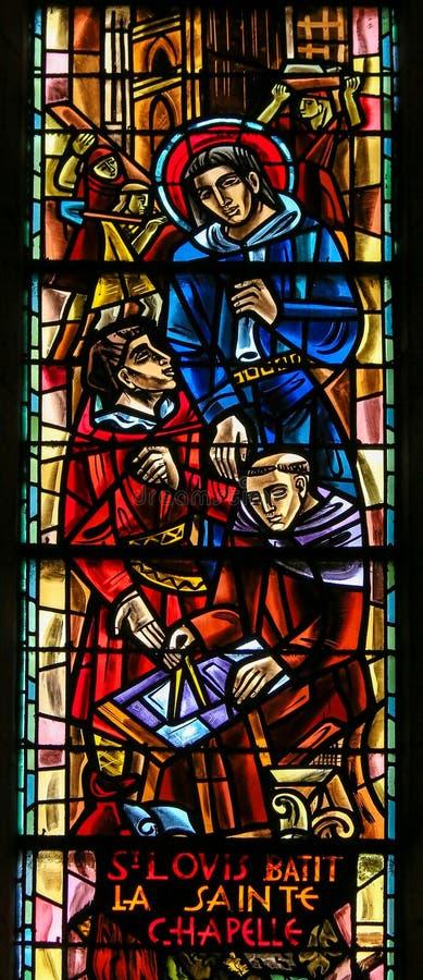 Saint Louis IX van Frankrijk - Gebrandschilderd glas in Sacre Coeur stock foto