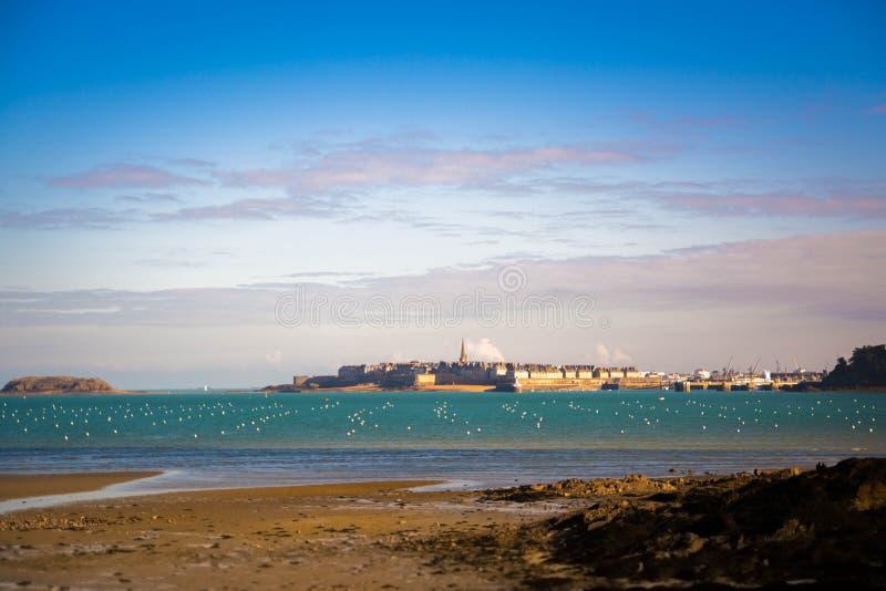 Saint Malo de zeeroverstad stock fotografie