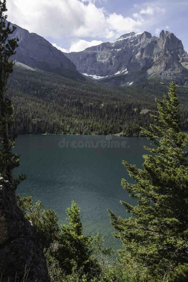 Saint Mary Lake en parc national de glacier photos stock