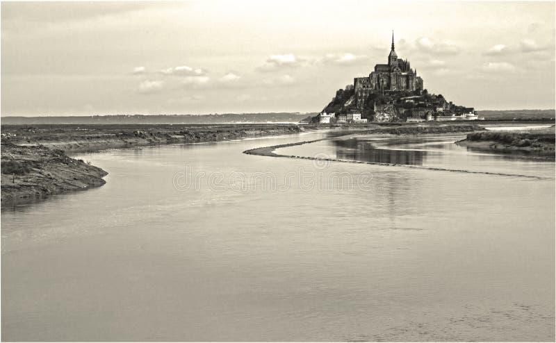 Saint Michel z niektóre wodą zdjęcie stock
