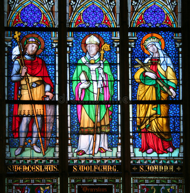 Saint no vidro manchado imagem de stock royalty free