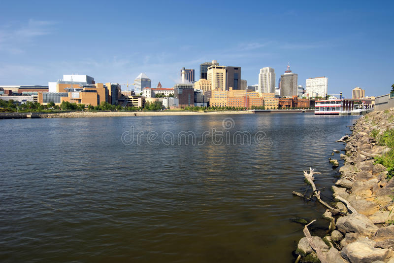 Saint Paul-Skyline, Fluss Mississipi, St Paul, Minnesota, USA lizenzfreies stockbild