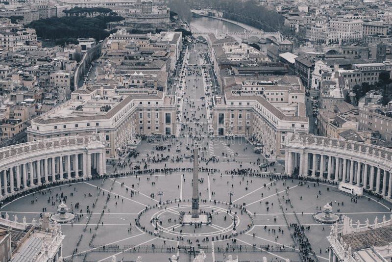Saint Peter Square de Vatican comme vu d'en haut, v noir et blanc image libre de droits