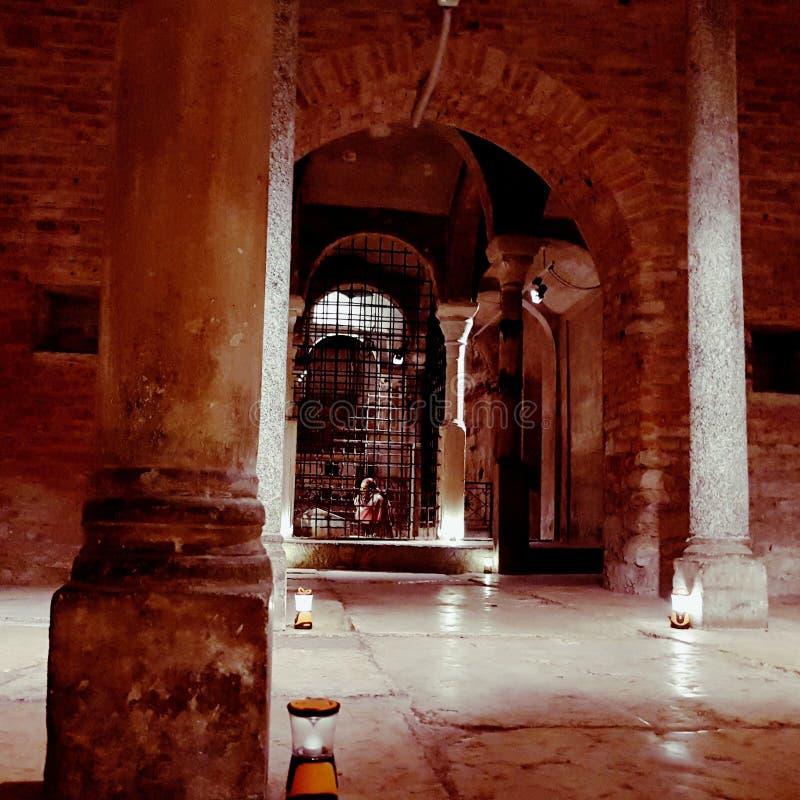 Saint Sepolcro Cript em Milão foto de stock