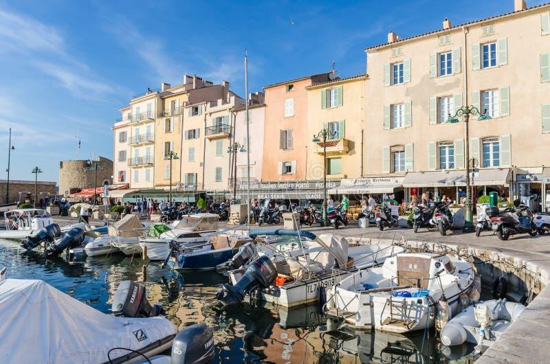 Saint Tropez hus i Provence, Frankrike royaltyfria bilder