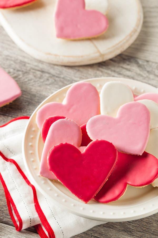 Saint-Valentin en forme de coeur Sugar Cookies image stock