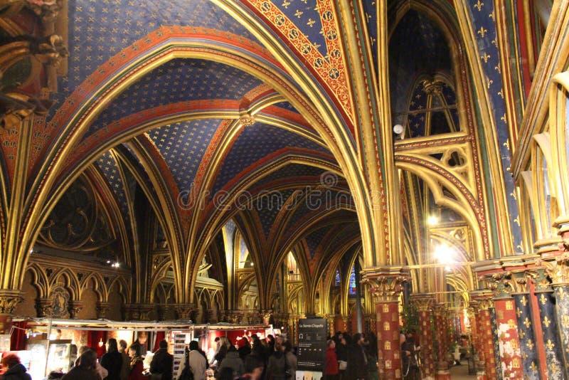 Sainte Chapelle, Париж - интерьер стоковое изображение rf