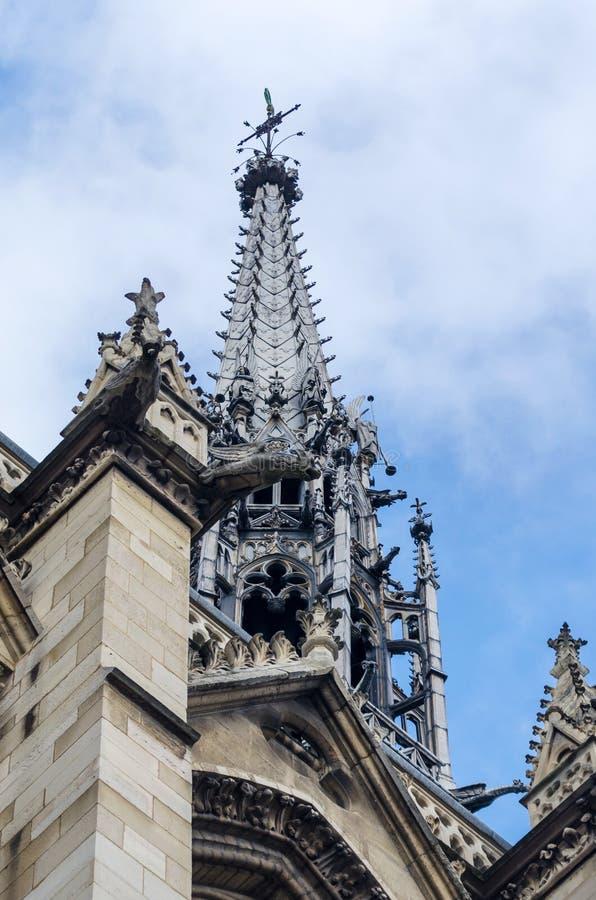 Sainte-Chapelle (de Heilige Kapel) op het Cite eiland in Parijs stock fotografie