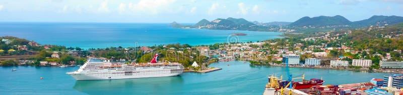 Sainte-Lucie - 12 mai 2016 : La fascination de bateau de croisière de carnaval au dock photographie stock libre de droits