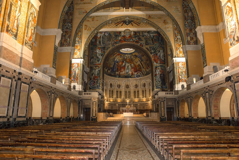 Sainte-Therese basiliek, Lisieux, Frankrijk stock foto