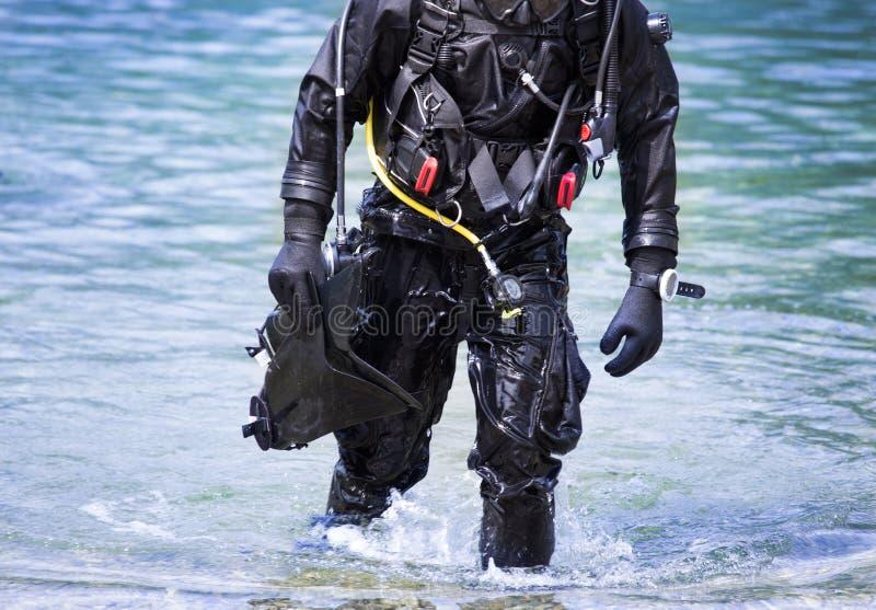 Sair do mergulhador da água fotografia de stock