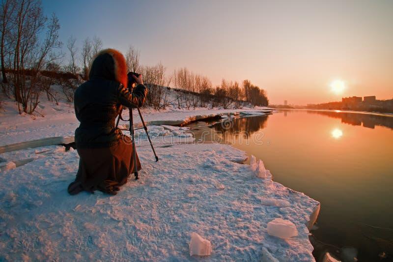 Saisissez les rayons de coucher du soleil images stock