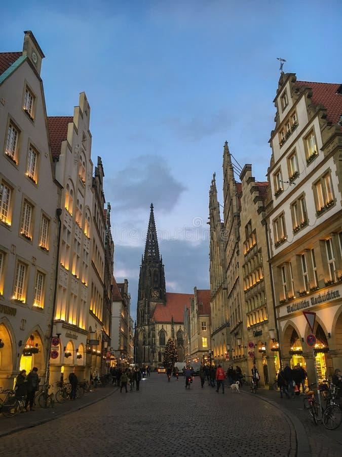 Saison d'avènement chez Prinzipalmarkt à Muenster, Allemagne photos stock
