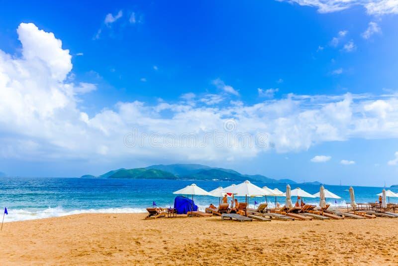 Saison des vacances en plage image libre de droits