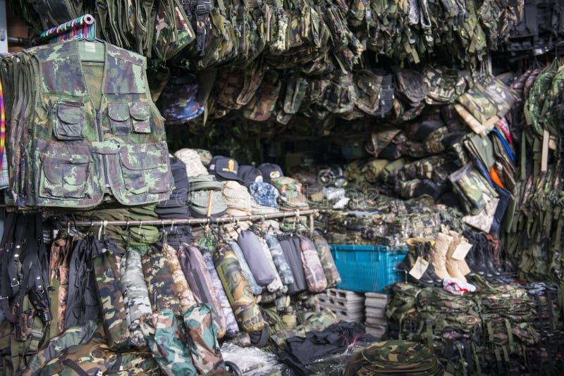 SAKAEO, THAILAND - 21. MAI 2016: Militär tarnt Kleidung a stockfotografie
