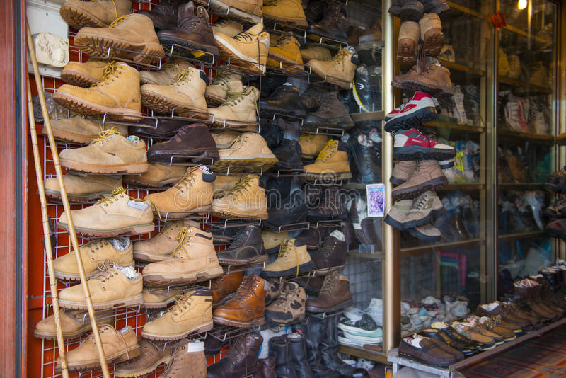 SAKAEO, THAILAND - MAY 21, 2016 : various second hand leather sh royalty free stock photography
