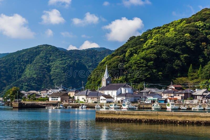 Sakitsu niebieskie niebo w Amakusa i kościół, Kyushu, Japonia zdjęcie stock