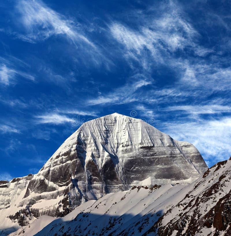 Sakrala Mount Kailash, som är delen av Transhimalayaen i Tib royaltyfri bild