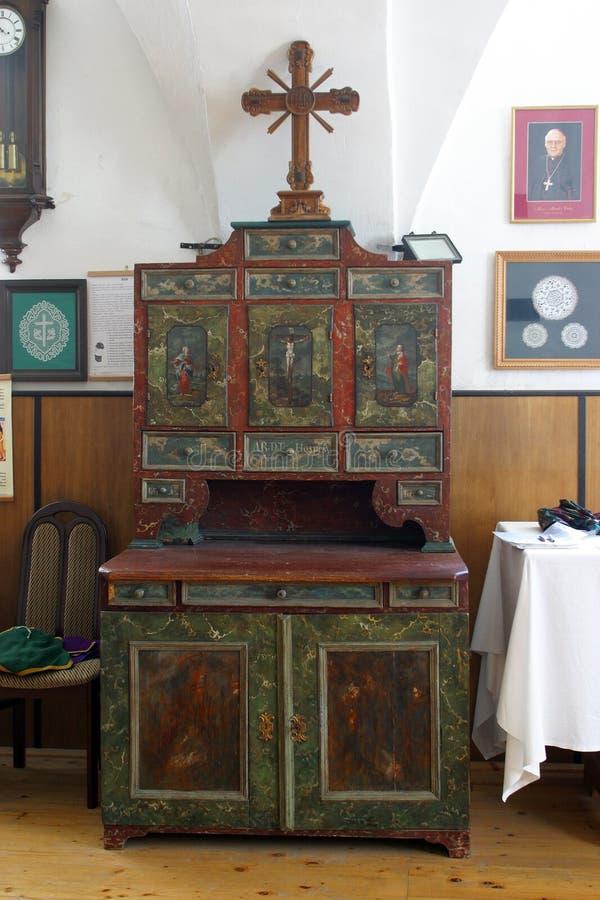 Sakristeikabinett, Kirche der Unbefleckten Empfängnis in Lepoglava, Kroatien lizenzfreie stockfotografie