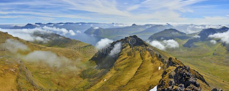 Saksun uprawia ziemię wioskę, Faroe wyspy obrazy stock
