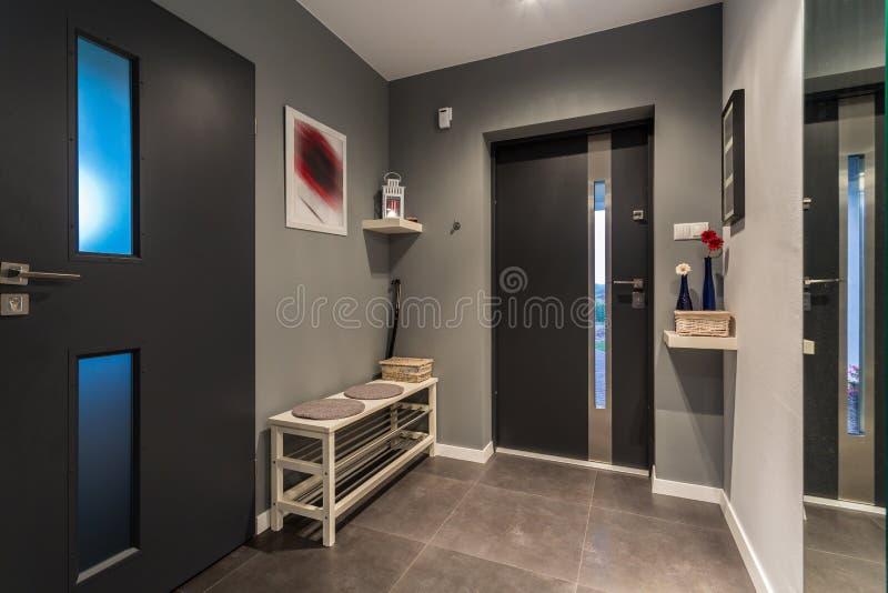 Salão cinzento confortável fotos de stock royalty free