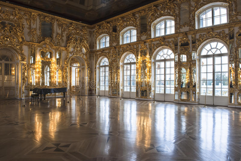 Salão de baile Catherine Palace, St Petersburg foto de stock