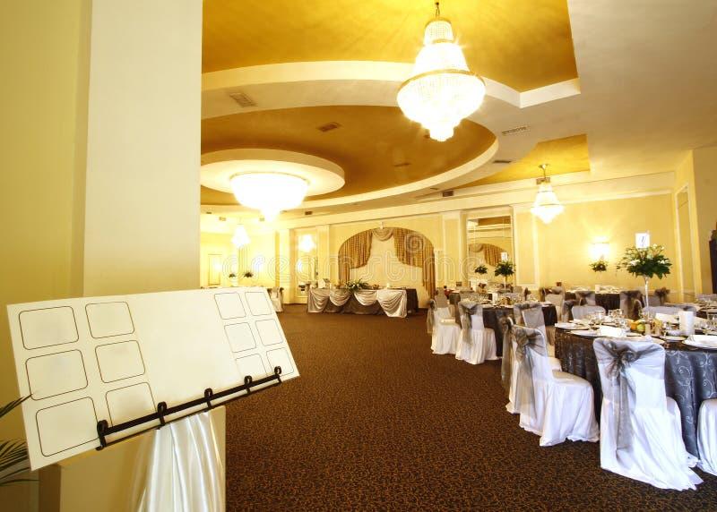 Salão de baile Wedding ou de banquete fotografia de stock royalty free