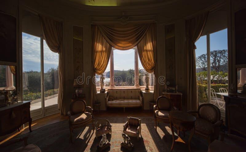 Salão de beleza em uma casa de campo luxuoso foto de stock