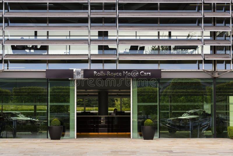 Salão de entrada dos carros de motor de Rolls royce na fábrica do carro de Goodwood fotos de stock royalty free