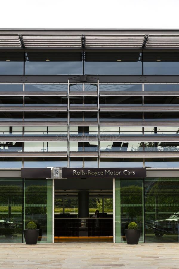 Salão de entrada dos carros de motor de Rolls royce na fábrica do carro de Goodwood imagem de stock