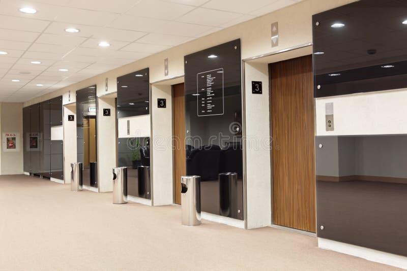 Salão dos elevadores fotos de stock