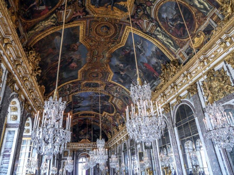 Salão dos espelhos, Versalhes, França fotos de stock