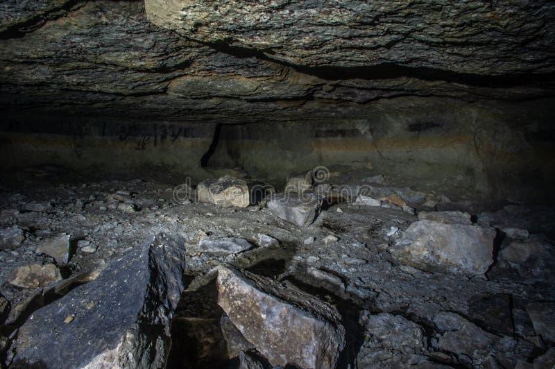 Salão em uma caverna imagens de stock