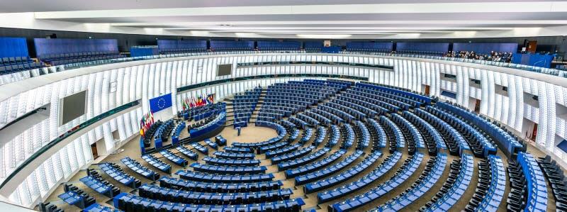 Salão plenário do Parlamento Europeu em Strasbourg, França imagem de stock