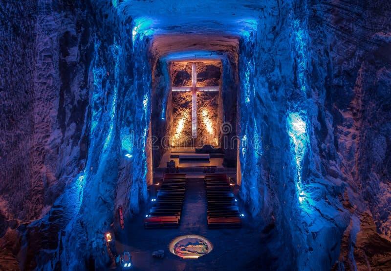 Salão principal da catedral subterrânea de sal - Zipaquira, Colômbia fotografia de stock