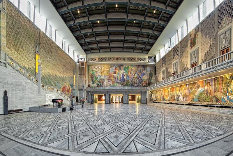 Salão principal na câmara municipal de Oslo, Noruega imagem de stock royalty free