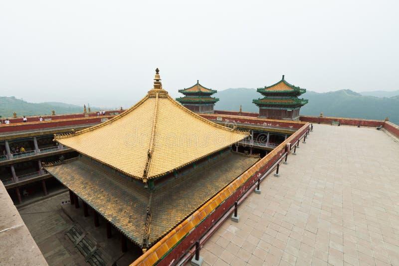 Salão tibetano na arquitectura paisagística de um templo antigo, Che imagens de stock